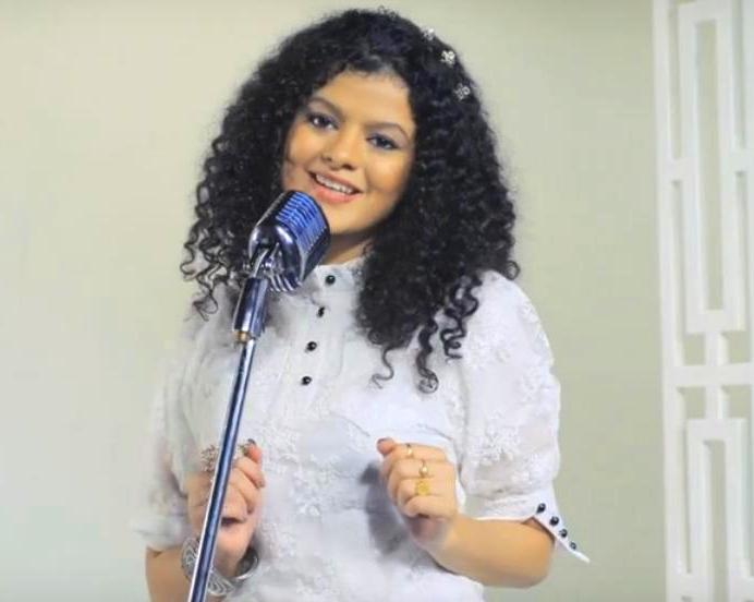 Keh Bhi De Lyrics - Palak Muchhal Verison | Traffic