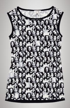 1ed319839afb2 ... Pekkan resimleri kullanmasından sonra Koton'da Türkan Şoray  resimlerinin kullanıldığı t-shirtler hazırlamış. Çokta başarılı bir  koleksiyon olmuş bence.