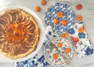 Receta express: Tarta fina de manzana y damascos (o duraznos)