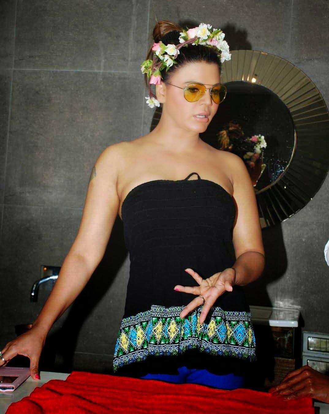 Rakhi Sawant Stills At Charisma Spa Success Celebration -2546