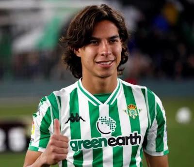 Diego Lainez al Real Betis