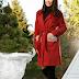 Palton ieftin de femei rosu elegant de iarna cu pana la genunchi cu blanita