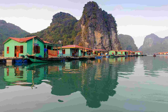 Where should you go in 3 locations to Halong Bay, Sapa and Ha Giang this Fall? 1