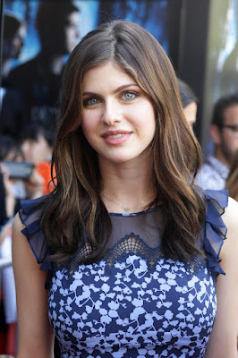 Stunning Alexandra Daddario Sexy Picture