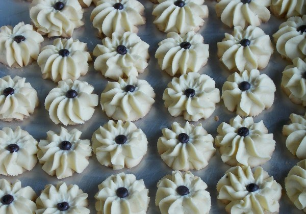 Resep Kue Semprit Mawar Renyah, Cara Membuat Kue Semprit Mawar Renyah