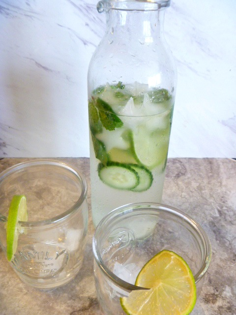 Discover the summer's best new drink! Refreshing Mint and Cucumber Sparkling Water - Slice of Southern