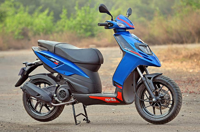 New Aprilia SR 125 Blue side view image