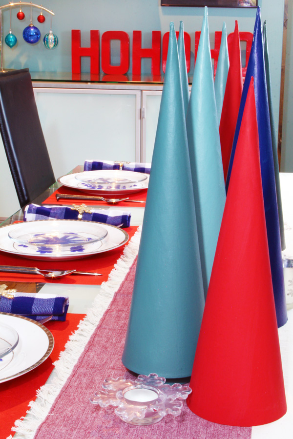 modern and bright Christmas table