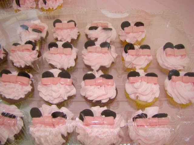 minnie mouse party ribbon cupcakes
