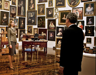 Geoffrey Rush as Vigil Oldman with his eclectic art collection of woman, Sylvia Hoeks as the heiress Claire, in The Best Offer, Directed by Giuseppe Tornatore