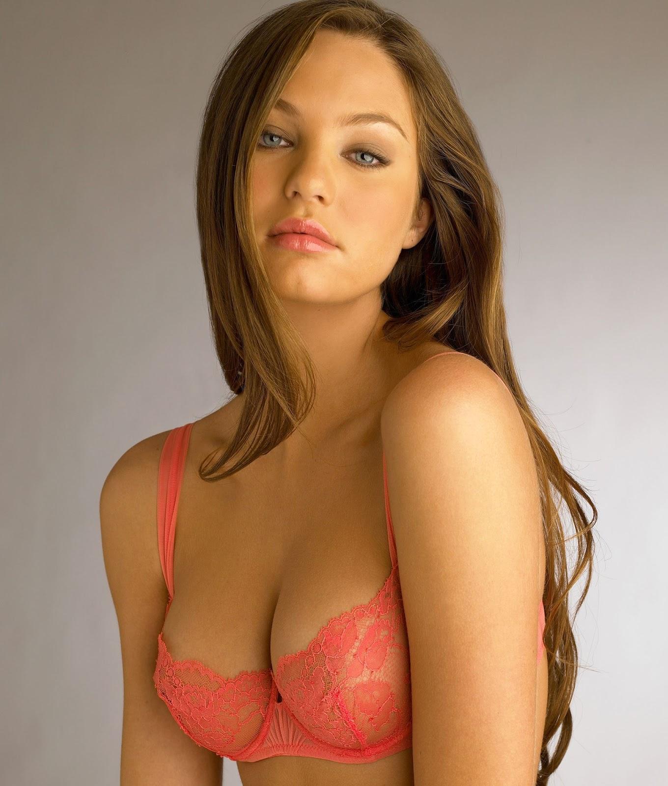 Hot amature lingerie models