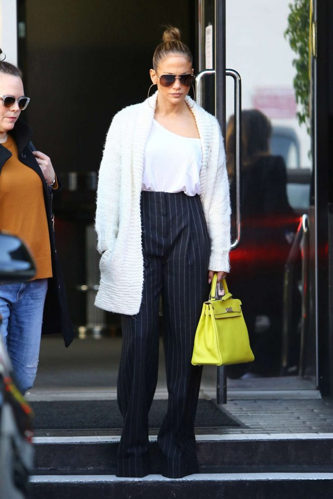 Jennifer Lopez out shopping in Beverly Hills, December 28, 2016