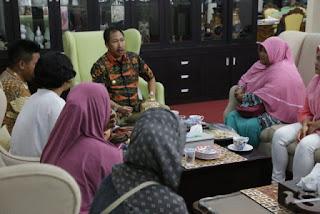 Pemda Kota Cirebon Dorong Pengembangan  Batik Kriyan