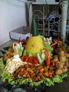 tempat pesan nasi tumpeng daerah bekasi 085692092435