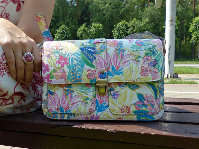 Exotic tropical print bag
