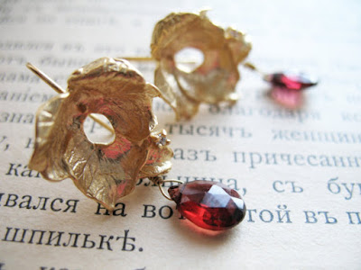 https://www.etsy.com/listing/62982732/earrings-la-vie-en-rose?ref=shop_home_active_6