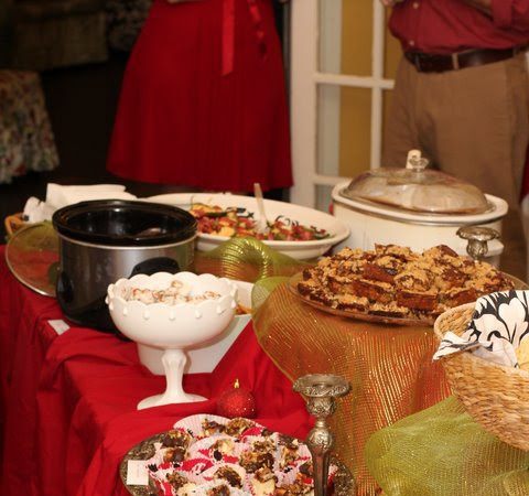 what will your table look like this holiday season? the Luke 14 challenge