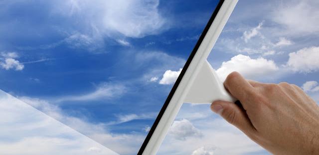 Quy trình lau cửa kính nhanh và sạch bóng cho nhà mới xây