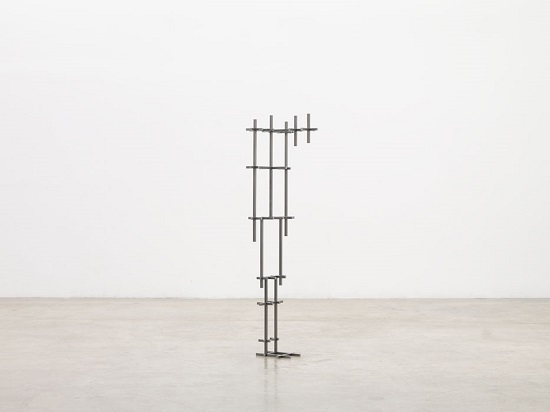 "Antony Gormley - ""Broken Mean II"", 2017. 