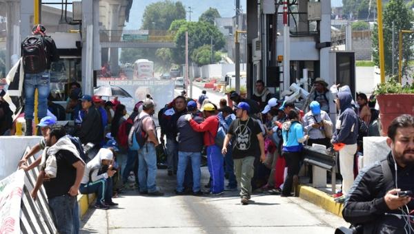Gobierno de México advierte que no dará marcha atrás a reforma educativa