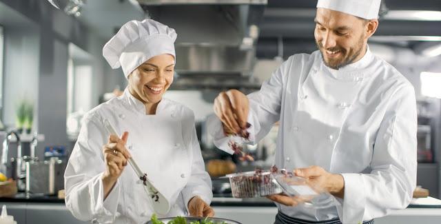 لماذا يتفوق الطهاة الرجال على الطاهيات النساء في هذه المهنة؟