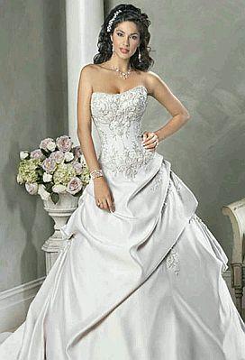 Vestidos de novia strapless con pedreria