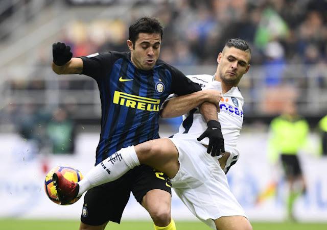Eder foi o nome da Inter na vitória deste domingo – Foto: AFP/MIGUEL MEDINA