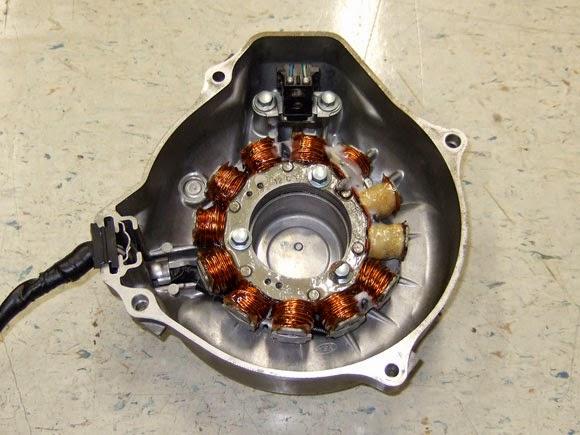 XR650R強化ジェネレーター。電装屋さんでコイルの巻き直しをして頂きましたが巻き方が思った以上に雑でガックシしました。