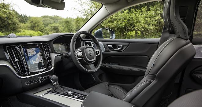 Volvo V60 front interior
