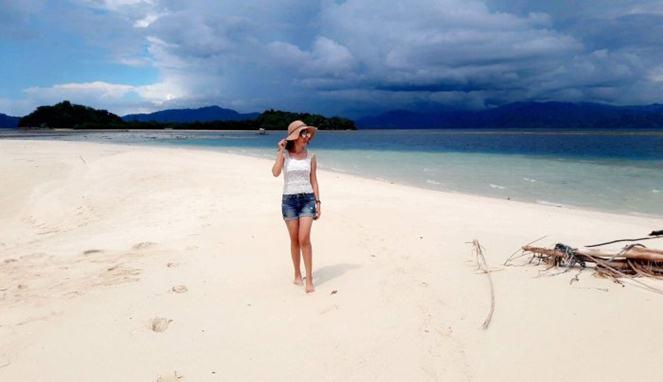 7 Foto Tunjukan Keeksotisan Pulau Saronde