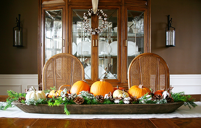 How to decorate a dough bowl for fall. Great way to style a dough bowl for fall holidays especially Thanksgiving. Thanksgiving centerpiece and decor.