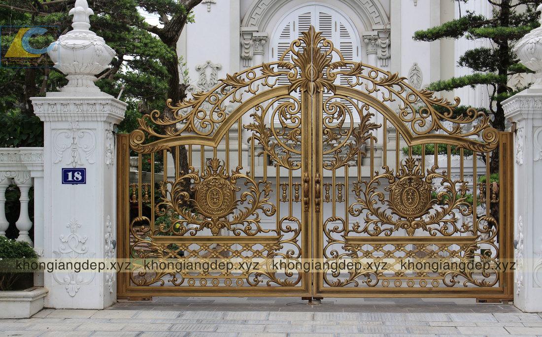 cổng đúc hoa văn hiện đại