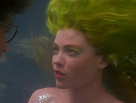 Una de las sirenas que salva a Peter Banning (Robin Williams) en Hook, el Capitán Garfio - Cine de Escritor