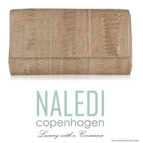 Crown-Princess Mary carried Naledi Copenhagen Allan Latte Ostrich Clutch