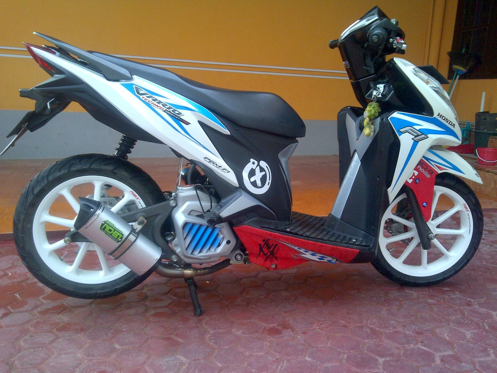 Modifikasi Warna Honda Vario 125 Lampak Modifikasi