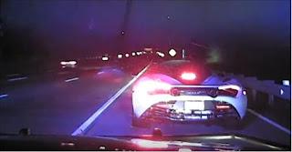 شاهد الشرطة تطارد سائقا مخمورا يقود ماكلارين 720 اس بسرعة 250 كم