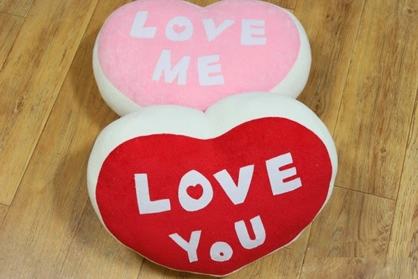 Hướng dẫn cách làm gối trái tim handmade từ vải nỉ dễ thương