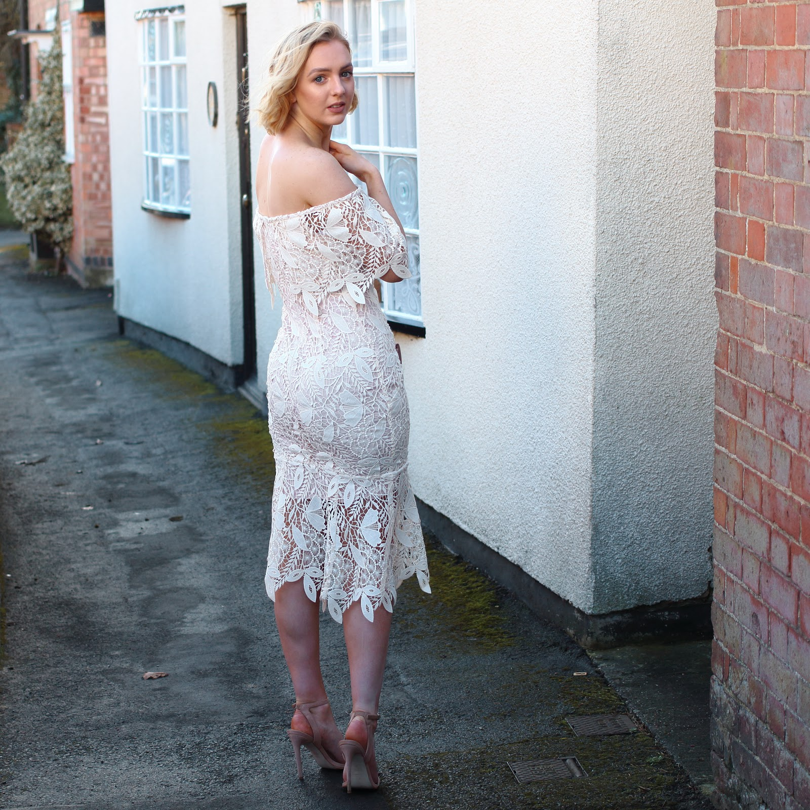 races, Ascot, aintree, Coast, tanya, lace, shift, dress, off the shoulder, pink, event, classic, dressing, tips, style