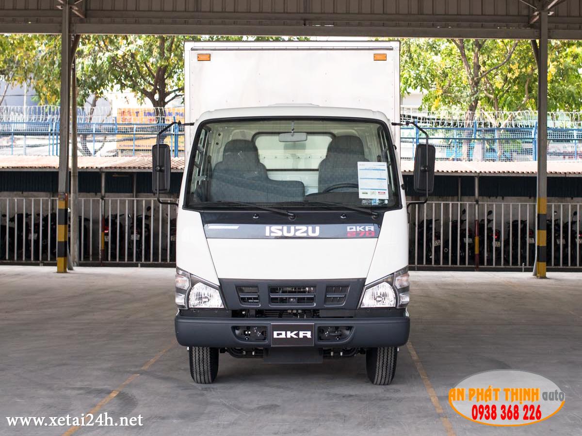 xe tải Isuzu QKR77HE4 thùng dài 4m4
