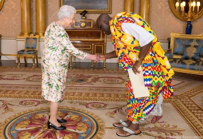 Owusu-Ankomah presents Letters of Credence to Queen Elizabeth