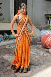 Telugu Heroine Sruthi Latest Pictures in Saree Exposing Deep