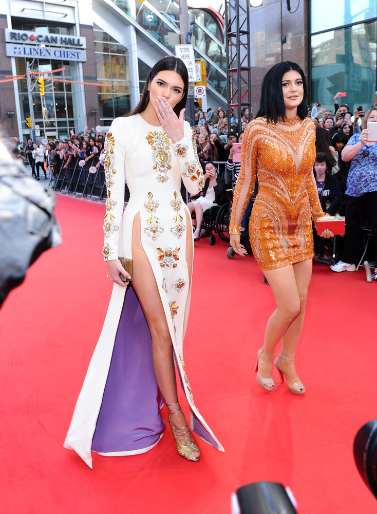 fausto puglisi gown slit kendall jenner