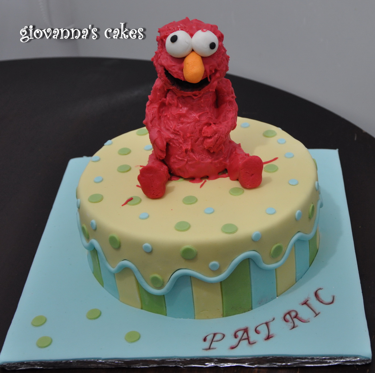 Giovanna S Cakes Patric S Elmo Cake And A Pool Cake For