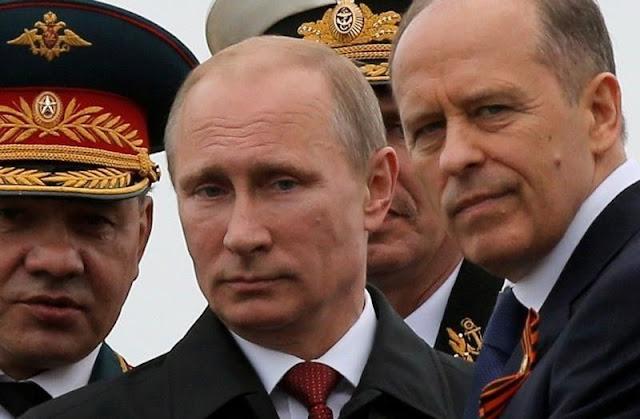 """""""Σίφουνας καθαρισμού"""" με υπογραφή Πούτιν στα υπουργεία του Μεντβέντεφ"""