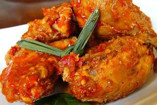 Panduan Resep Ayam Bumbu Rujak Pedas Gurih Ala Makan Enak