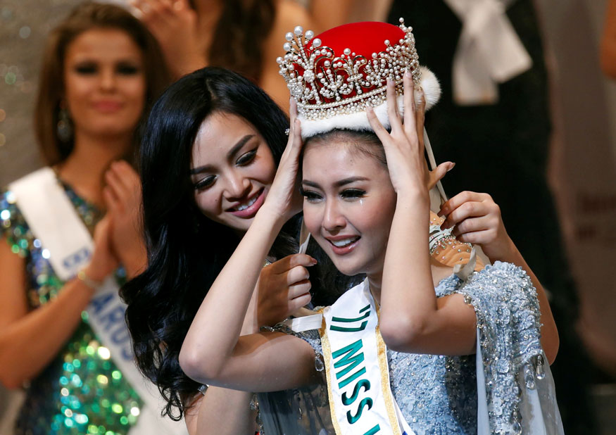 18 november 2017 daily current affair online preparation for indonesias kevin lilliana wins miss international 2017 sciox Images