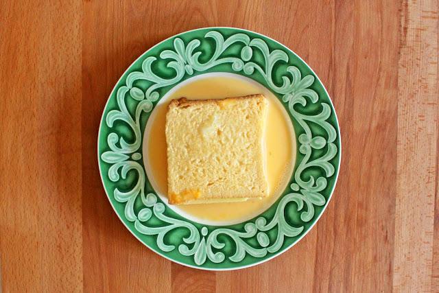 Γαλλικό Τοστ γεμιστό με τυρί και γαλοπούλα / French toast stuffed with emmental cheese and turkey ham