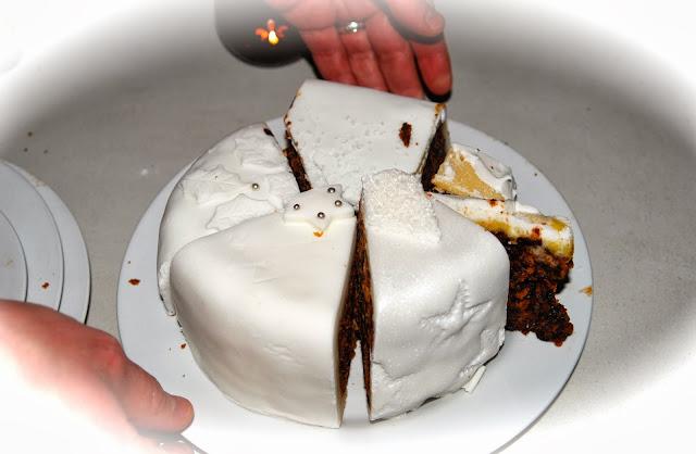 Christmas cake http://www.madmumof7.com