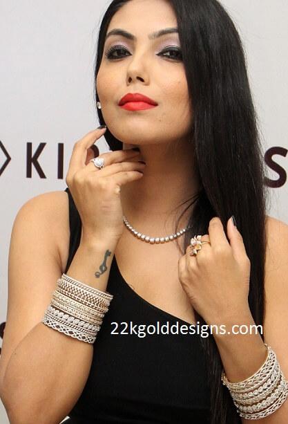 Solitaire Diamond Necklace Set