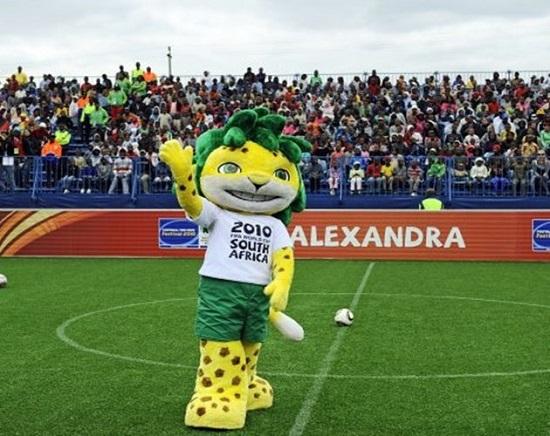 Chú báo hoa mai Zakumi World Cup 2010.
